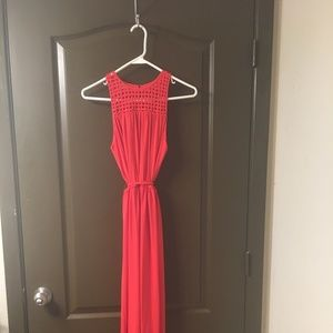 NWOT Coral Maxi Dress with tie waist detail